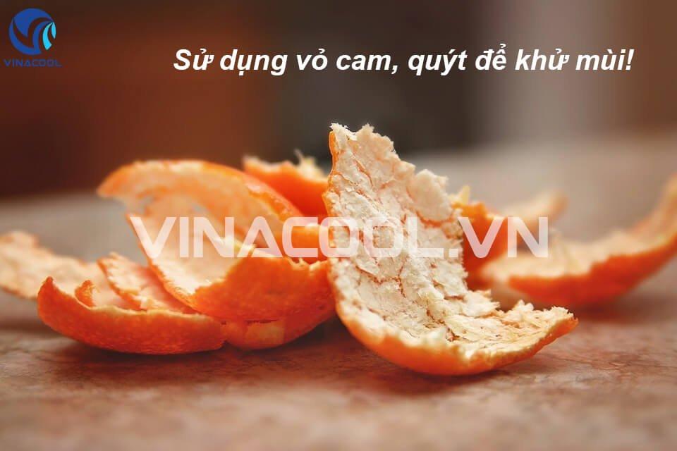 Sử dụng vỏ cam quýt để loại bỏ mùi hôi trong tủ trưng bày siêu thị
