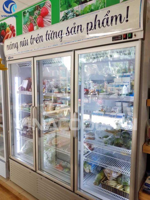 Tủ mát 3 cánh kính bảo quản thực phẩm Vinacool SLG-1800F
