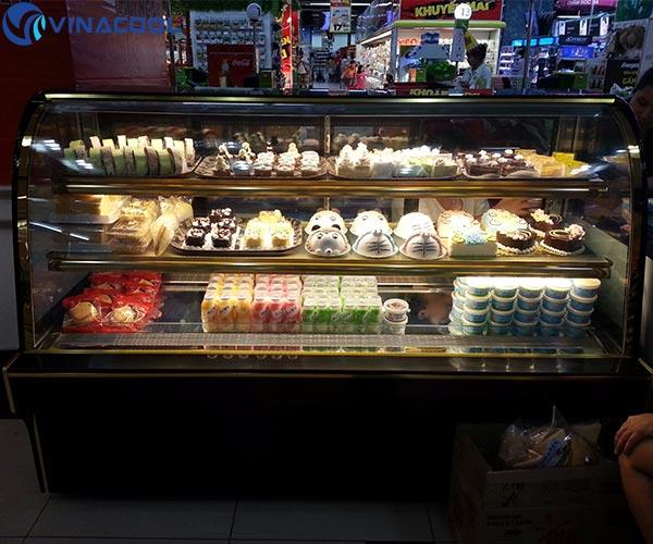 tủ trưng bày bánh vinacool