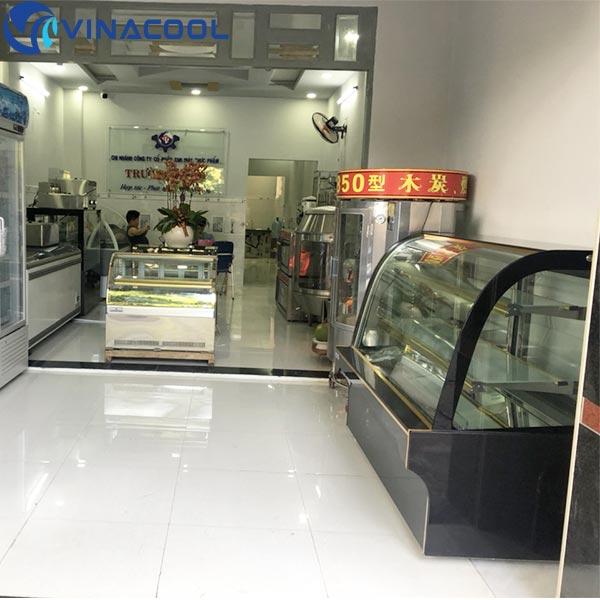 mua tủ trưng bày bánh kem Vinacool