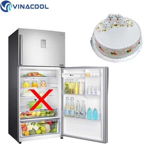không nên để bánh gato vào trong tủ lạnh