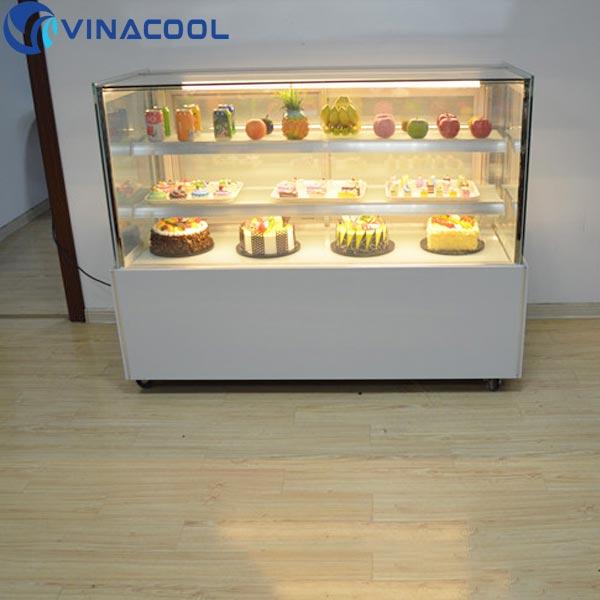 tủ mát đựng bánh kem tăng sự chú ý khách hàng