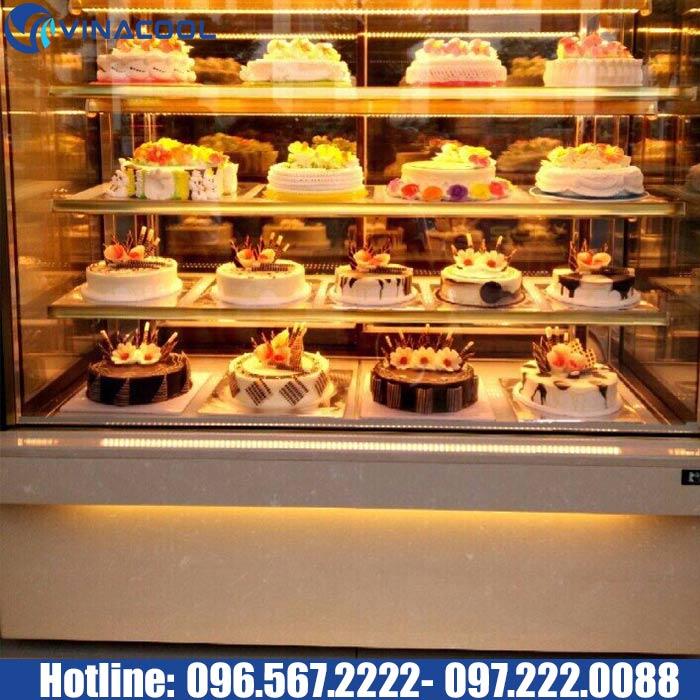 tủ kính trưng bày bánh ngọt vinacool có tính năng phun ẩm hiện đại