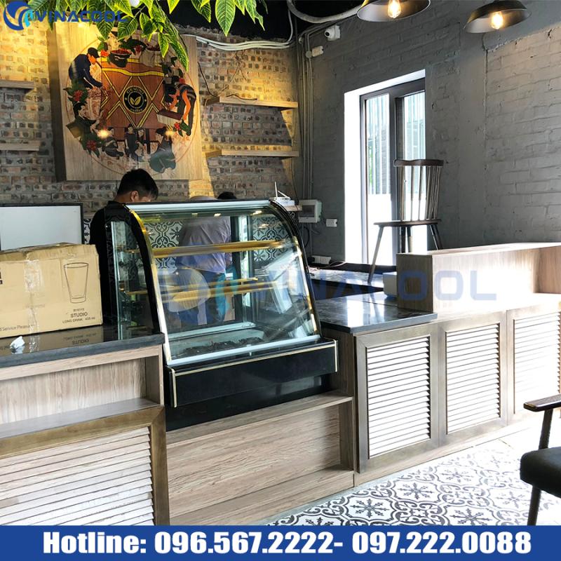 tủ bánh nhỏ quán cafe 3 tầng kính cong